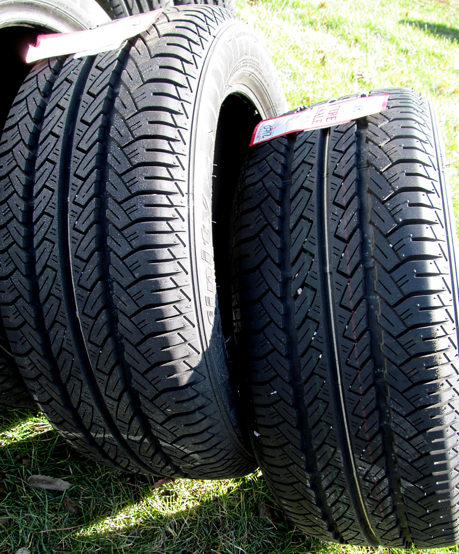 Firestone Affinity Touring S P R H Tire